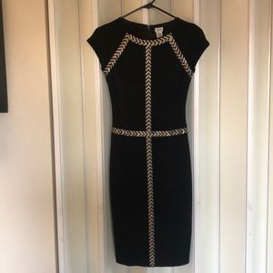 Size 2. Never worn cache dress. Perfect condition.